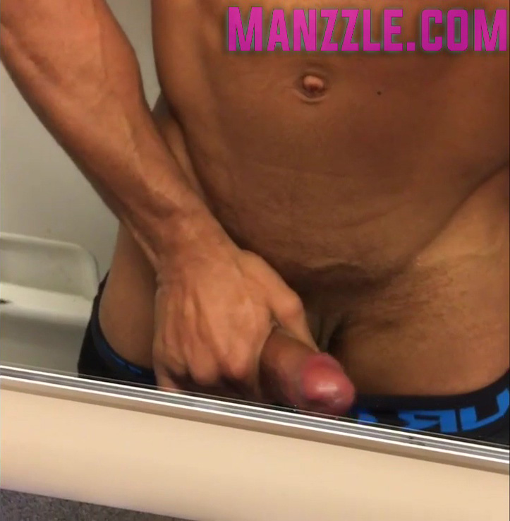 Heat718 Full Dick Out In Plane Restroom